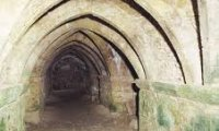 http://www.ambient-mixer.comAn adventurer run down the catacombs