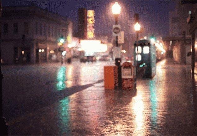 Night Flight >> Sitting in the TARDIS on a rainy day audio atmosphere