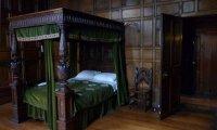 Slytherin Dormitory w/ Sirens