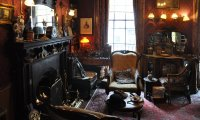 Holmes' & Watson Flat on Rainy London Sunday