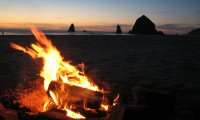 http://www.ambient-mixer.comRelax by a bonfire on a beach in Oregon