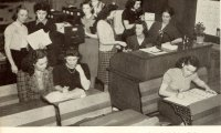 https://www.ambient-mixer.comA Calm Studying Environment, a Classroom in the 1940s